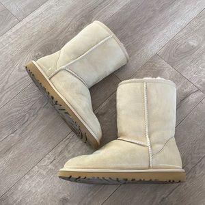 UGG boots. LIKE NEW